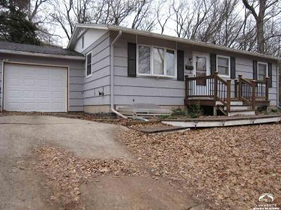 Lawrence KS Single Family Home Under Contract/Taking Bu: $139,900