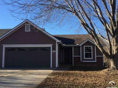 Lawrence Single Family Home For Sale: 913 Christie Ct