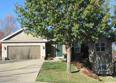 Lawrence Single Family Home For Sale: 3810 Hunters Hill