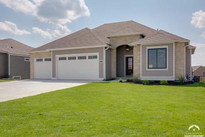 Lawrence Single Family Home For Sale: 1105 Juniper Lane