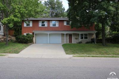 Lawrence Single Family Home For Sale: 916 Pamela