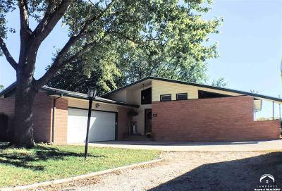 Ozawkie Single Family Home Under Contract: 628 Delaware Dr
