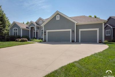 Lawrence Single Family Home Active/Kick Out Clause: 1140 Waverly Dr