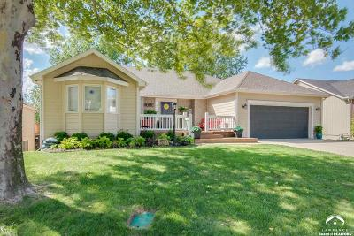 Lawrence Single Family Home For Sale: 1013 Wagon Wheel Rd