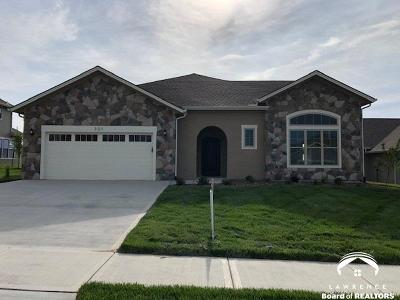Lawrence Single Family Home For Sale: 321 Shannon Court