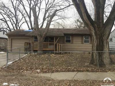 Shawnee County Single Family Home For Sale: 3542 SE Humboldt St
