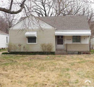 Shawnee County Single Family Home For Sale: 2224 SW Mac Vicar Avenue