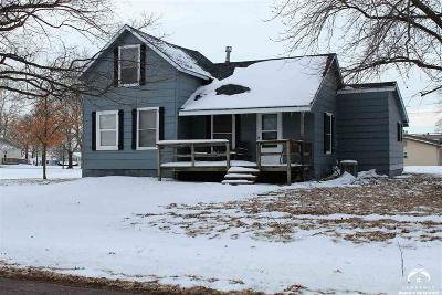 Winchester Single Family Home For Sale: 409 3rd Street