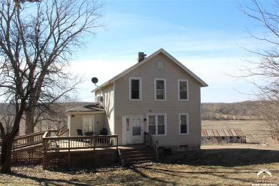 Lecompton Single Family Home For Sale: 49 N 1600 Road