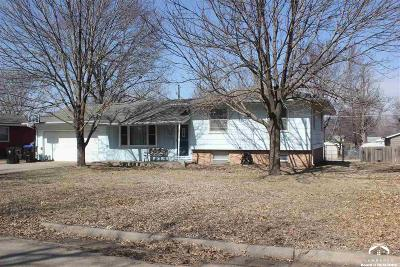 Shawnee County Single Family Home Under Contract: 1832 SW 36th Terr
