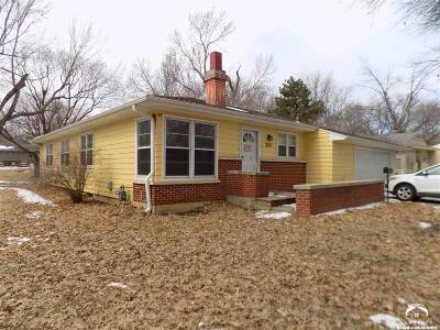Lawrence Single Family Home Under Contract: 2027 Naismith Drive