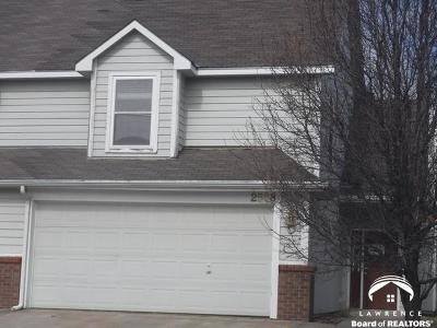 Lawrence Single Family Home For Sale: 2508 Crestline Cir