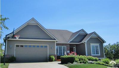 Lawrence Single Family Home For Sale: 5217 Thorn Tree Court