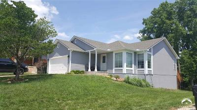 Shawnee County Single Family Home Under Contract: 3324 SW 35th Terrace
