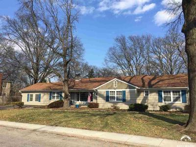 Lawrence Single Family Home For Sale: 1126 Hilltop Drive