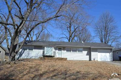 Shawnee County Single Family Home Under Contract: 1824 SW Tara Ave