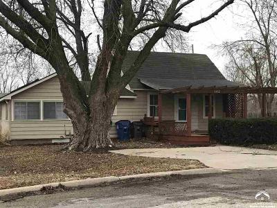 Lawrence Single Family Home For Sale: 3432 Chance Lane
