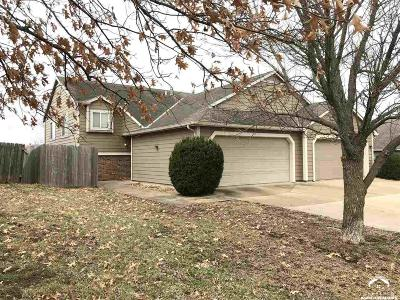 Lawrence KS Single Family Home Under Contract/Taking Bu: $159,900