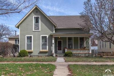 Lawrence KS Single Family Home Under Contract: $449,900