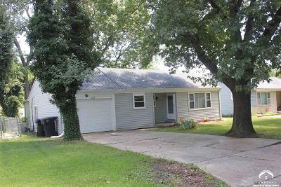 Topeka Single Family Home For Sale: 2316 SW Seabrook Ave