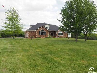 Shawnee County Single Family Home For Sale: 5521 SE 61st St