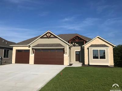 Lawrence Single Family Home For Sale: 1101 Juniper Lane