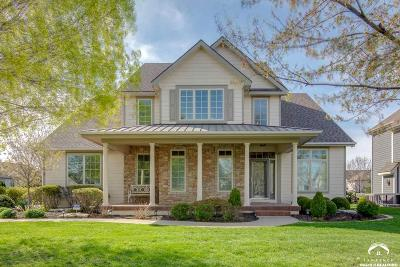 Lawrence Single Family Home For Sale: 215 Earhart Cir