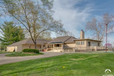 Lawrence Single Family Home For Sale: 2100 Greenbrier Drive