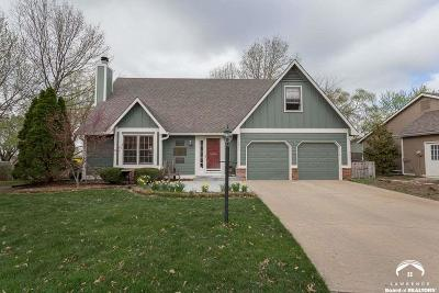 Lawrence KS Single Family Home Under Contract/Taking Bu: $263,000