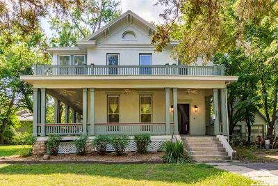Lawrence Single Family Home For Sale: 829 Mississippi