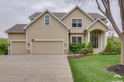 Lawrence Single Family Home For Sale: 1521 Burning Tree Court