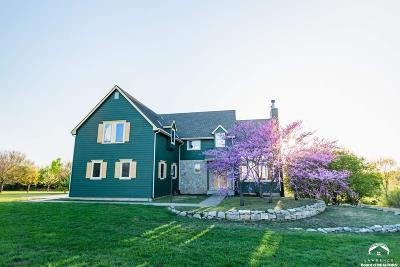 Lecompton Single Family Home For Sale: 151 Hwy 40