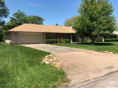 Topeka Single Family Home For Auction: 3125 SE Arbor Dr