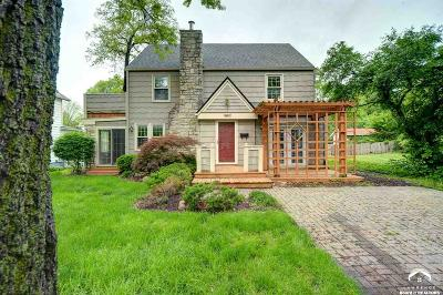 Lawrence Single Family Home For Sale: 1709 Mississippi Street