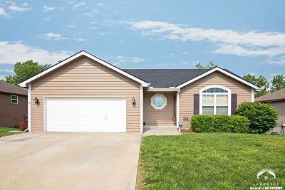 Eudora Single Family Home Under Contract/Taking Bu: 1421 Arrowwood Dr.