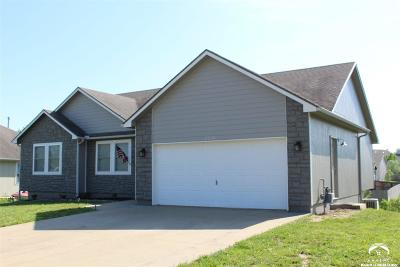 Tonganoxie Single Family Home For Sale: 2208 Hidden Valley Dr.