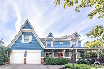 Lawrence Single Family Home For Sale: 4605 Roundabout Circle
