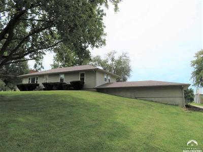 Tonganoxie Single Family Home For Sale: 20913 Sandusky Rd