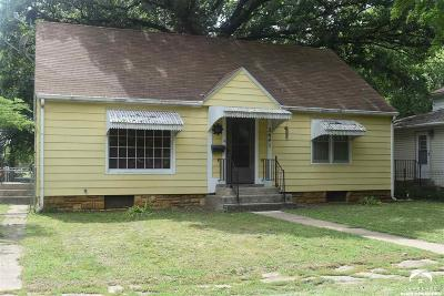Shawnee County Single Family Home For Sale: 2641 SE Michigan Ave