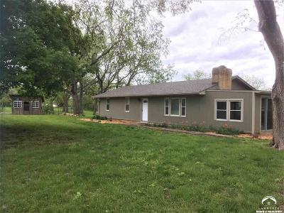 Oskaloosa Single Family Home Under Contract: 11661 King Estates Drive
