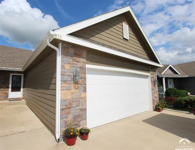 Tonganoxie Single Family Home Under Contract/Taking Bu: 821 Willow Pointe Circle