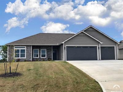Eudora Single Family Home For Sale: 2609 S Fir Ter