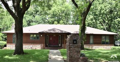 Topeka Single Family Home For Sale: 330 SW Danbury Lane