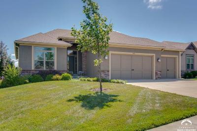 Lawrence Single Family Home For Sale: 324 N Carver Lane