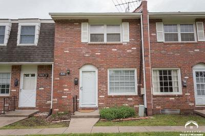 Lawrence Single Family Home Under Contract/Taking Bu: 946 Jana Dr