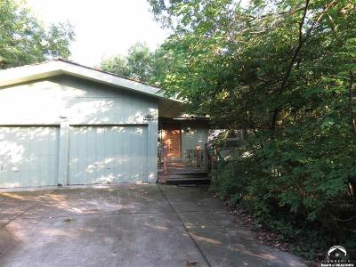 Lawrence Single Family Home For Sale: 2703 Stratford