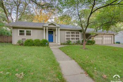 Lawrence Single Family Home For Sale: 1117 Sunset Drive