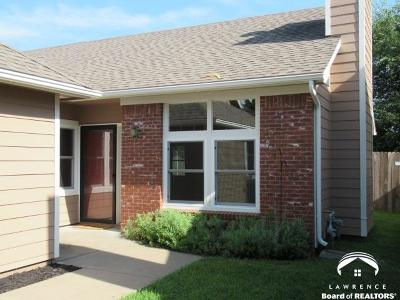 Lawrence Single Family Home For Sale: 4624 Hearthside Drive