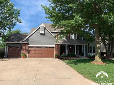 Lawrence Single Family Home For Sale: 915 Summerfield Ct