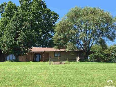 McLouth Single Family Home For Sale: 11551 N K-92 Hwy